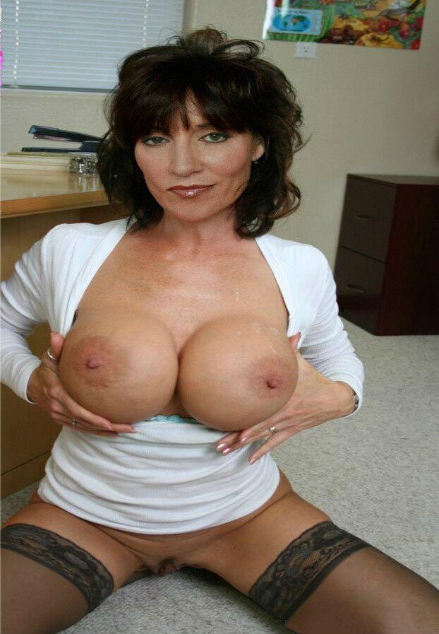 katey sagal naked photos